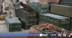 IS militants seize Russian base in Palmyra, find abandoned loads of weapons and bank cards. VIDEO
