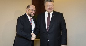 Poroshenko thanked former EP President Schulz for supporting Ukraine during his tenure. PHOTO