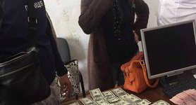 District administration chairman, official nabbed while accepting $2,000 in bribe in Odesa region. PHOTOS