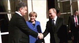 Merkel asked Putin and Poroshenko to shake hands at talks in Paris. PHOTO+VIDEO