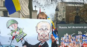 """Stop Russian aggression"": protesters in London demanded stiffening sanctions against Russia. PHOTOS"