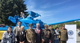 Remembrance Day celebration, where UPA veterans, veterans of the Soviet Army and representatives of volunteer battalions first sat shoulder to shoulder was held in Kyiv. PHOTOS